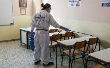 Πυρετώδεις προετοιμασίες στα σχολεία για την επιστροφή των μαθητών