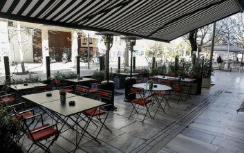 Κορονοιός στην Ελλάδα: Κλείνουν μπαρ, εστιατόρια και εμπορικά κέντρα