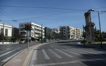 Ο κορονοϊός άδειασε τους δρόμους στο κέντρο της Αθήνας