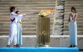 Ασυνήθιστες εικόνες στο Παναθηναϊκό Στάδιο, στην τελετή παράδοσης της Ολυμπιακής Φλόγας