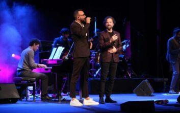Κωστής Μαραβέγιας και Πάνος Μουζουράκης ενώνουν τις φωνές τους σε μια μουσική καραντίνα