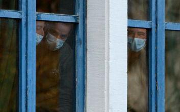 «Κοινωνική λιγούρα»: Στο lockdown οι άνθρωποι «πεινούν» για παρέα όπως πεινούν για φαγητό