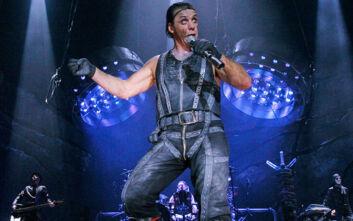 Στην Εντατική για κορονοϊό ο τραγουδιστής Till Lindemann των Rammstein