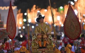 Ειδική άδεια στη Γερμανία για τον βασιλιά της Ταϊλάνδης λόγω κορονοϊού: Πήγε σε ξενοδοχείο με το χαρέμι του