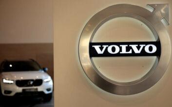 Ο κορονοϊός βάζει λουκέτο και σε εργοστάσια της Volvo