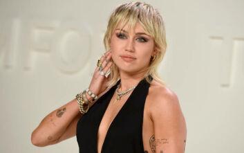Μάιλι Σάιρους: Το νέο τατουάζ της είναι εμπνευσμένο από τον Ανρί Ματίς