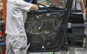 Αυξήθηκαν οι απολύσεις στις αυτοκινητοβιομηχανίες λόγω κορονοϊού