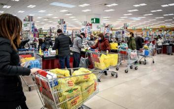 Καταλυτικές αλλαγές στην καθημερινότητα των καταναλωτών έφερε ο κορονοϊός