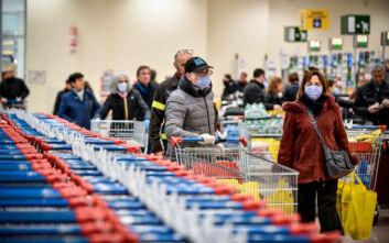 Σούπερ μάρκετ: Τι τζίρο έκαναν σε 12 εβδομάδες από την εμφάνιση του κορονοϊού