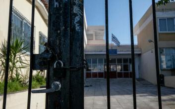Τα μέτρα που εξετάζονται για τη λειτουργία των σχολείων μετά την άρση των μέτρων για τον κορονοϊό