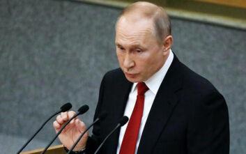 Πούτιν για κορονοϊό: «Το ασφαλέστερο αυτή τη στιγμή είναι να είστε στο σπίτι σας»