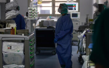 Κορονοϊός: Η Tesla προσφέρεται να κατασκευάσει αναπνευστήρες που είναι σε έλλειψη λόγω της πανδημίας