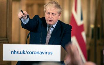 Κορονοϊός - Βρετανία: Πάνω από 400.000 άνθρωποι δήλωσαν εθελοντές για να στηρίξουν το σύστημα υγείας