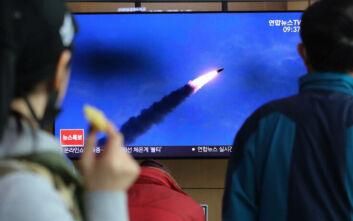 Η Βόρεια Κορέα ανακοίνωσε πως διεξήγαγε επιτυχή δοκιμή πολλαπλών εκτοξευτών πυραύλων