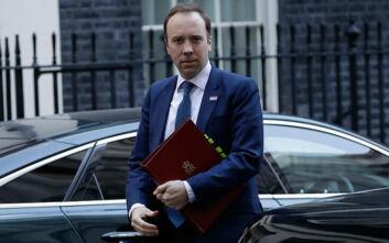 Θετικός στον κορονοϊό και ο υπουργός Υγείας στη Βρετανία