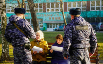 Κορονοϊός: Η Μόσχα κλείνει εστιατόρια, καφέ μπαρ και εμπορικά καταστήματα - Απαγόρευση εξόδου στους άνω των 65