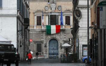 Κορονοϊός: Πότε θα ανοίξουν τα μπαρ, τα εμπορικά και τα κομμωτήρια στην Ιταλία