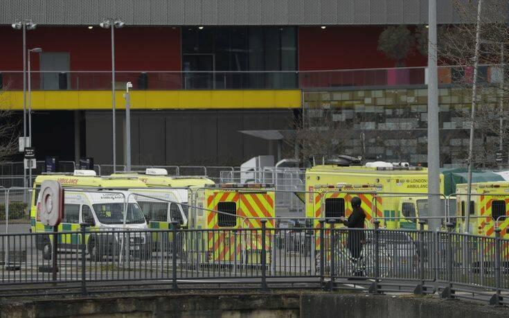 Θερίζει ο κορονοϊός στη Μεγάλη Βρετανία: 803 νέοι θάνατοι σε μια ημέρα