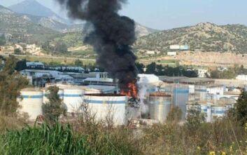 Πυρκαγιά σε δεξαμενή χημικών στην Αυλίδα