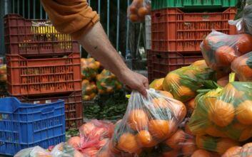 Μέτρα στις λαϊκές αγορές για τον κορονοϊό: Με γάντια, μάσκα και αντισηπτικό οι πωλητές