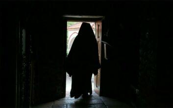 Κορονοϊός: Στον εισαγγελέα η υπόθεση του ιερά στην Πάτρα που λειτούργησε την 25η Μαρτίου