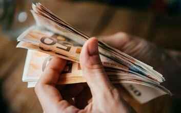 Κορονοϊός: Εξετάζεται η ένταξη και των επιστημόνων στα 800 ευρώ αντί της κατάρτισης
