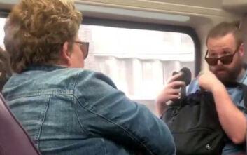 Κορονοϊός: Γυναίκα βήχει πάνω σε επιβάτη τρένου και ακολουθεί καυγάς