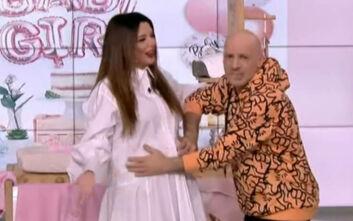 Η έγκυος Νικολέττα Ράλλη πηγαίνει συνέχεια στον γιατρό για να βλέπει το μωρό της