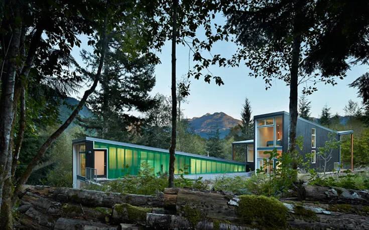 Το σπίτι που φωτίζει το δάσος