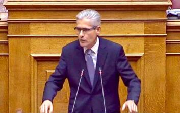 Ο Άγγελος Τσιγκρής φέρνει στη Βουλή τα μέτρα προστασίας των αστυνομικών από τον κορονοϊό