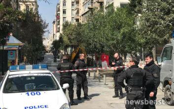 Βρέθηκε οβίδα στην Ερμού - Αποκλεισμένη η περιοχή στο κέντρο της Αθήνας