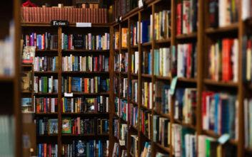 Κορονοϊός: Το βιβλιοπωλείο που έκλεισε και όποιος τηλεφωνεί ακούει ένα παραμύθι