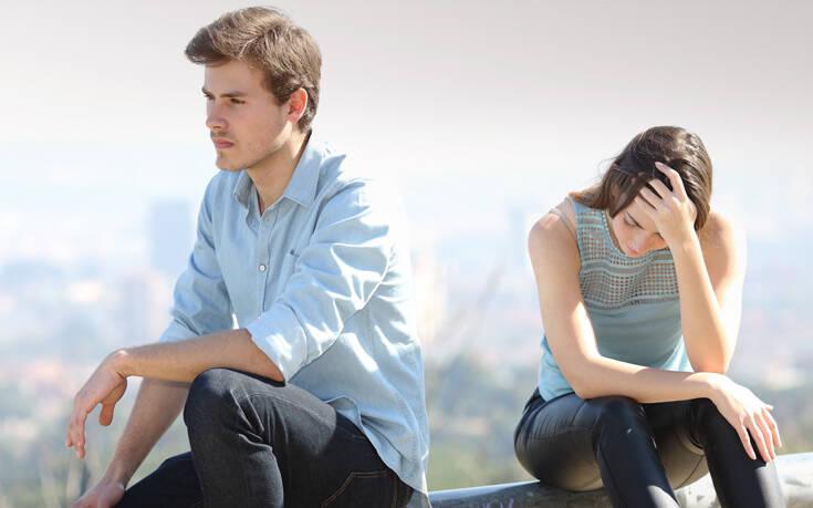Ο σύντροφός σου φοβάται τη δέσμευση: Οκτώ ανησυχίες που έχει και δεν σου λέει