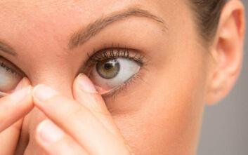 Κορονοϊός: «Μακριά τα χέρια από τα μάτια» - Πόσες φορές την ώρα αγγίζουμε το πρόσωπο μας