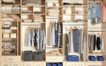 Πώς να οργανώσετε την ντουλάπα σας σε τρία βήματα