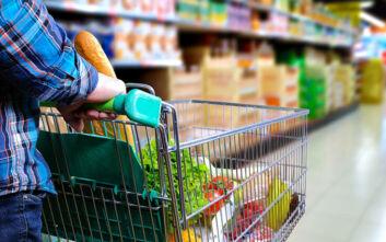 Κορονοϊός: Οι Έλληνες αποθηκεύουν τρόφιμα για μία εβδομάδα