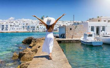 Τουλάχιστον 20% περισσότεροι Έλληνες είναι πρόθυμοι να πάνε διακοπές αν δοθεί voucher