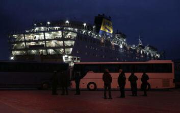 Κορονοϊός: Μεταφέρονται σε ξενοδοχεία της Αθήνας 230 επιβαίνοντες του «Ελευθέριος Βενιζέλος»