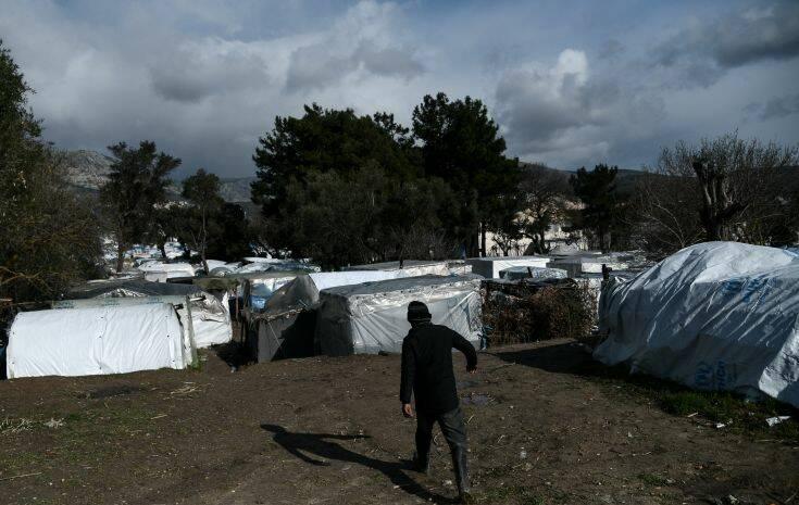 Δέκα συλλήψεις για επεισόδια στoν καταυλισμό της ΒΙΑΛ στη Χίο, το Μ. Σάββατο