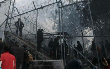 Περιορισμένη φωτιά έκαψε σκηνές στο ΚΥΤ της Μόριας