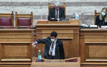 Βουλευτές θα ζητήσουν να τοποθετηθεί πλεξιγκλάς και πάνω από τα κεφάλια όσων ανεβαίνουν στο βήμα της Ολομέλειας