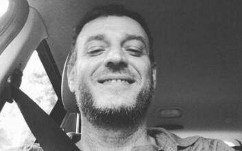 Έλληνας τραγουδιστής αποκάλυψε ότι θα γίνει πατέρας με ένα τρυφερό βίντεο