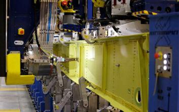 Κορονοϊός: Η Boeing σταματά την παραγωγή της