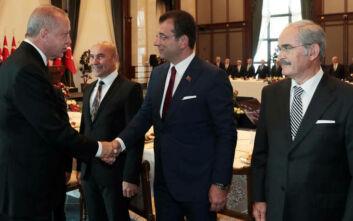 Δήμαρχος Κωνσταντινούπολης: Δεν ενημερώνομαι και ούτε έχω επαφή με τον Ερντογάν για τον κορονοϊό