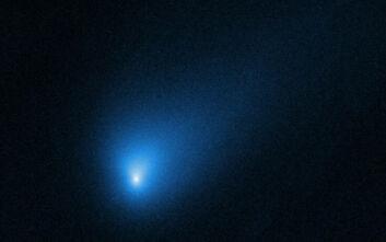 Ένας κομήτης που κρύβει εκπλήξεις εισέβαλε στο ηλιακό μας σύστημα