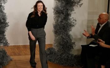 Givenchy: «Παιχνίδι γρίφων» η επιλογή του διαδόχου της Clare Waight Keller