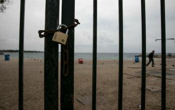 Κορονοϊός: Τι θα γίνει με το μπάνιο στη θάλασσα - Τι εξετάζει η κυβέρνηση