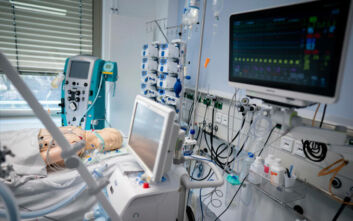 Συγκλονίζουν Ελληνίδες νοσηλεύτριες από τη Γερμανία: «Μας λένε δεν έχω κανέναν και δεν με νοιάζει να πεθάνω»