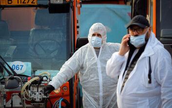 Οργισμένοι γιατροί στη Ρουμανία εν μέσω κορονοϊού: Μας στέλνουν στον θάνατο με γυμνά χέρια