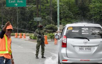 Ο πρόεδρος των Φιλιππίνων προειδοποιεί όσους παραβιάζουν το lockdown: Η Αστυνομία θα πυροβολεί, θα σας θάψω